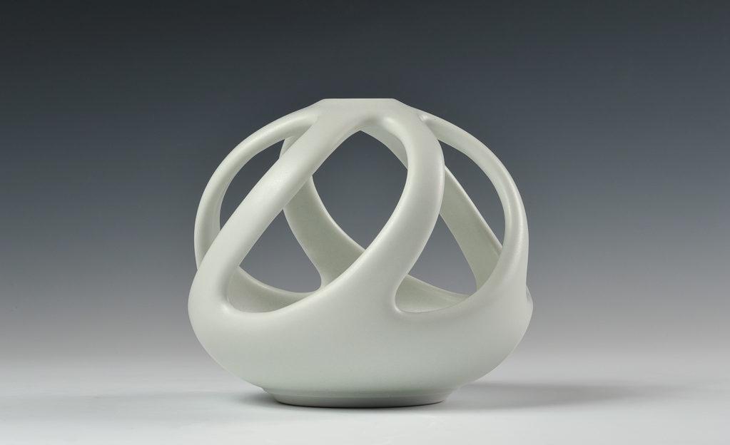 Boule ajouree xavier duroselle porcelaines