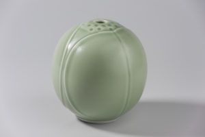 Boule coleoptere celadon xavier duroselle porcelaines